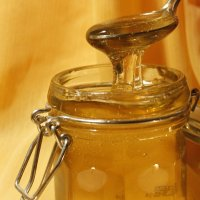 http://anydaylife.com/uploads/articles/housekeeping/cooking/products/honey-storage-1.jpg